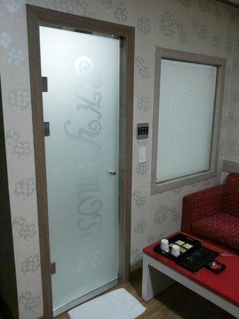 Sky Hotel: ingresso bagno