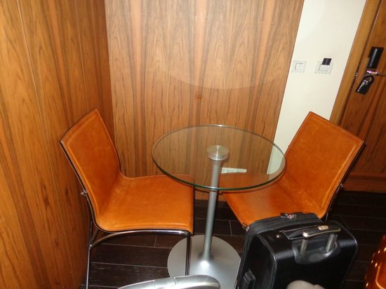 Hotel Gran Derby Suites: Habitacion