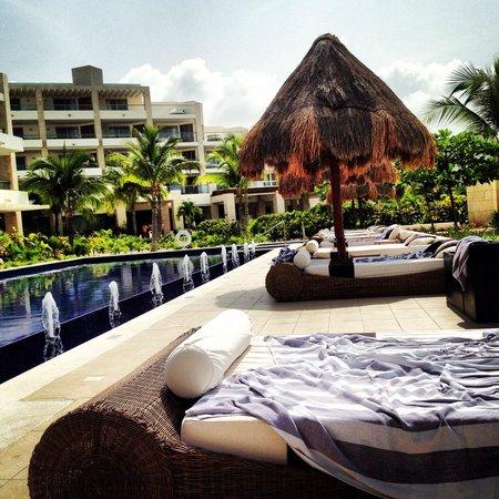 Beloved Playa Mujeres: Poolside