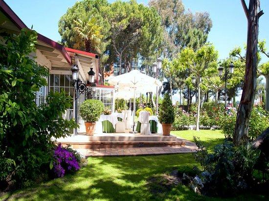 Un Sitio Con Encanto Fotografia De Restaurante Jardin El Mesonero