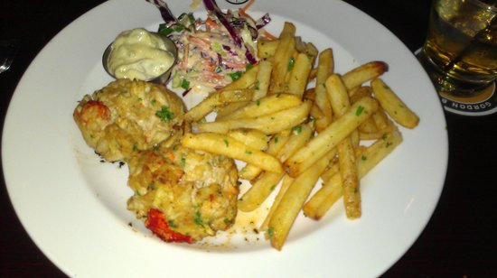 Gordon Biersch Brewing Company : Lobster and Jumbo Lump Crabcakes, Garlic Fries, Housemade Cole Slaw and Tartar Sauce