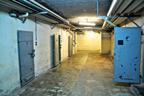 """Gedenkstätte Berlin-Hohenschönhausen: """"Submarine Area"""" of the jail (no light, no sound, no air)"""