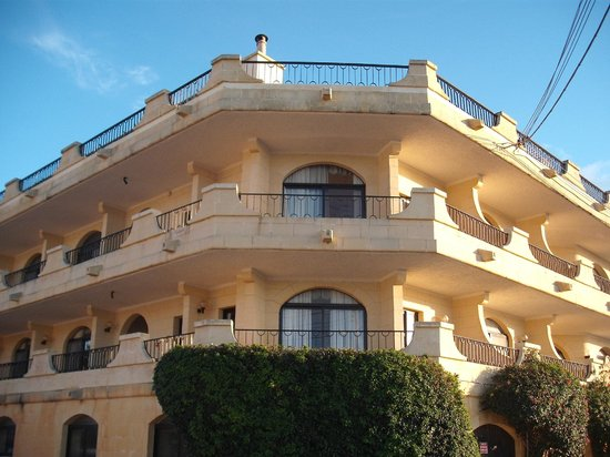 Cornucopia Hotel : Outside the Hotel