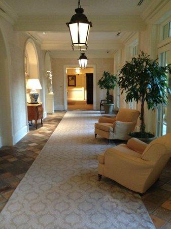 Keswick Hall: hallway off the main lobby