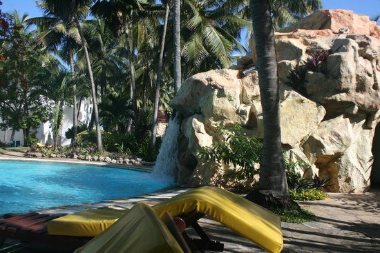 Sarova Whitesands Beach Resort & Spa: palm pool