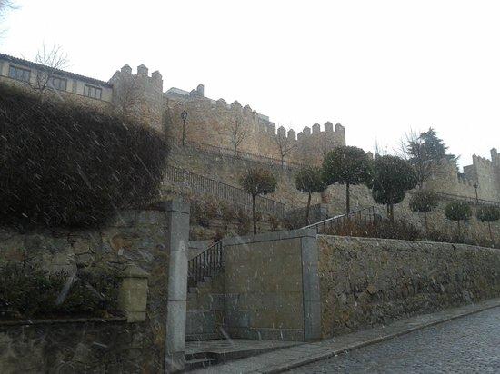 Hotel las Leyendas : murallas de Ávila