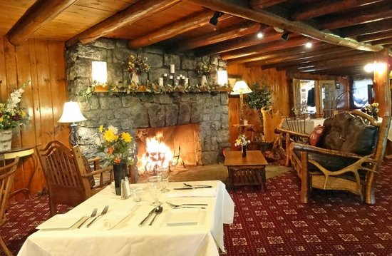 The Log House Restaurant : The Fireplace