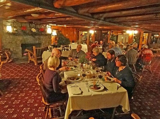 The Log House Restaurant : An exceptional Wine Tasting event