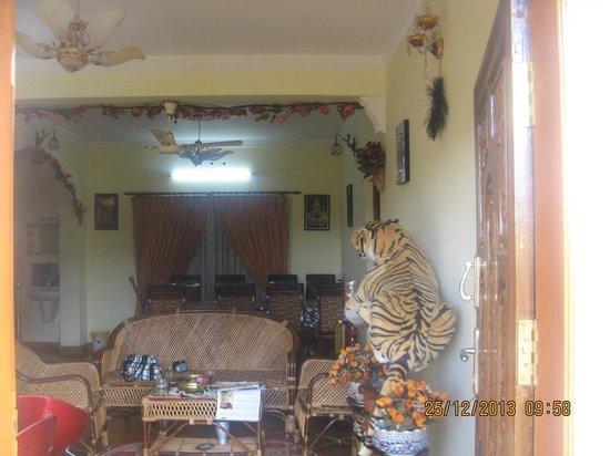 Munnar Dreams Homestay: Drawing & Dining area
