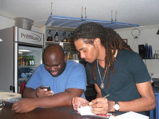 South Gap Hotel: Bar staff