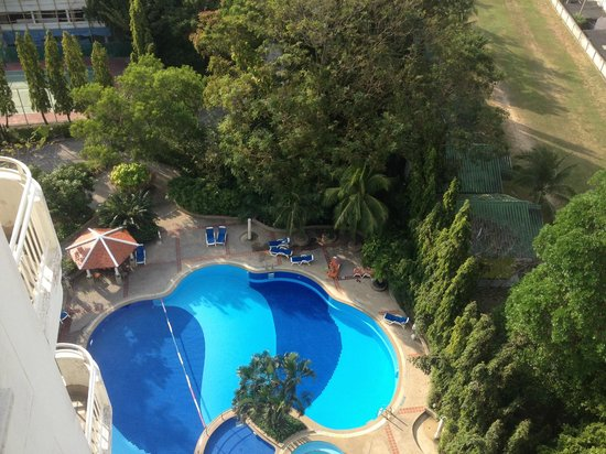 Waterfront Suites Phuket by Centara: The pool, pict from apartment 9A on the ninth floor