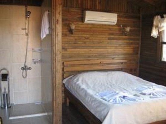 Salkim Village : ağaç ev görünüm