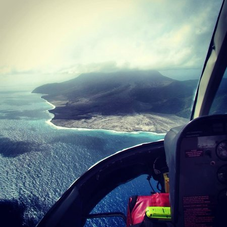 Caribbean Helicopters : Flying to Montserrat