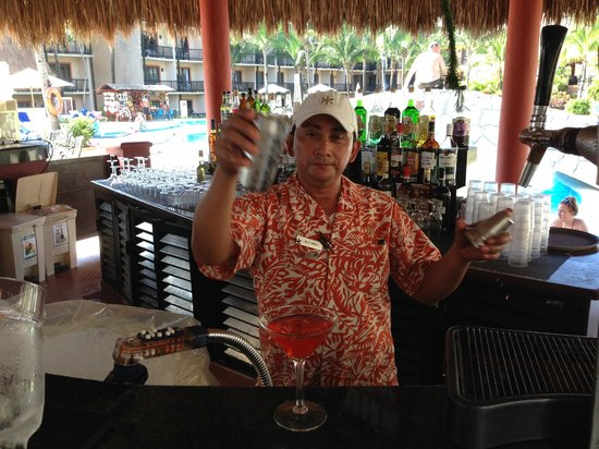 Catalonia Yucatan Beach: Alfonzo the best bar man