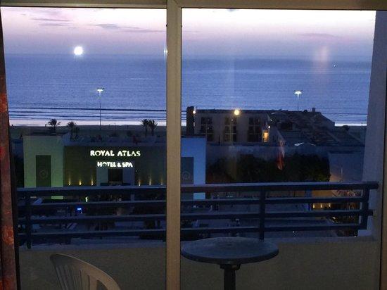 Anezi Tower Hotel : 3 piętro wystarczy by mieć ładny widok. Balkon.