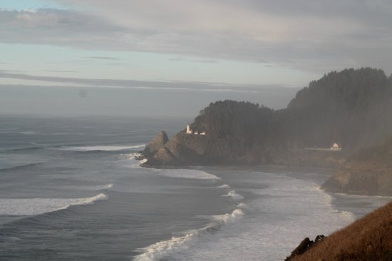 Sea Lion Caves: Heceta Head Lighthouse from elevator