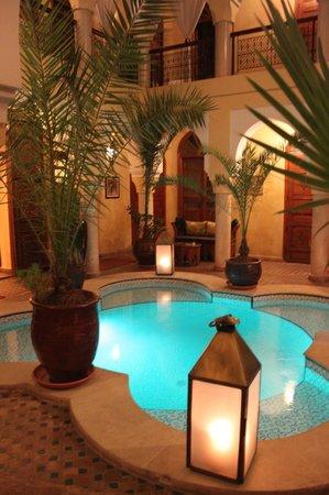Riad Lena & SPA: Il patio di sera