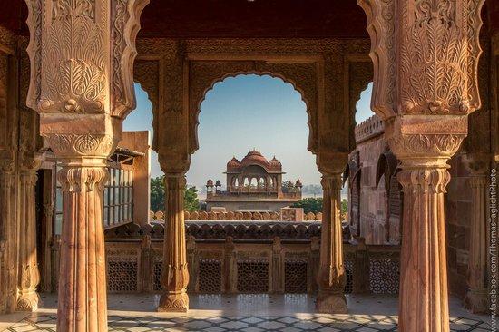 The Laxmi Niwas Palace: Sur les toit du palais...