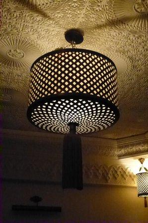 Riad Hannah City Hotel : lampade marocchine della Riad Hannah