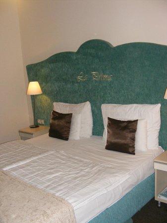 La Prima Fashion Hotel: Кровать