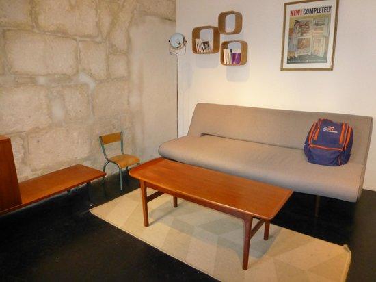 Arles Suite Home: living room