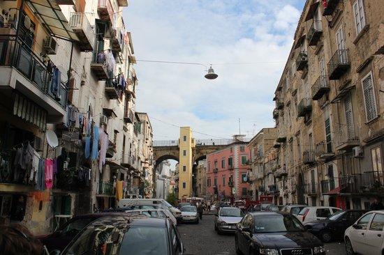 Napoli, agguato al rione Sanità: gambizzato 34enne
