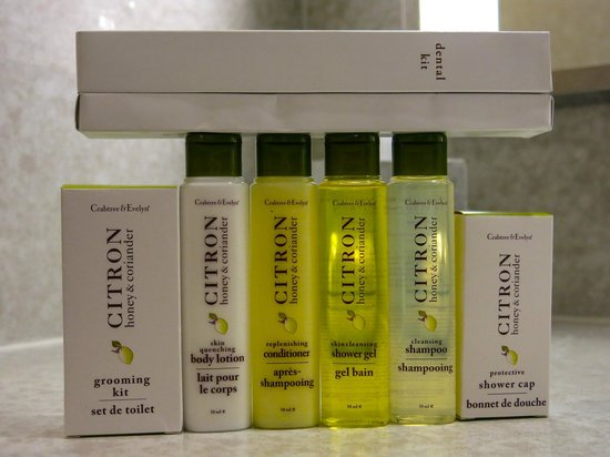 DoubleTree by Hilton Kuala Lumpur : Wonderful Crabtree and Evelyn bathroom amenities