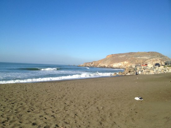 Holiday Inn Express Hotel & Suites Pacifica : View from the beach facing north/northwest