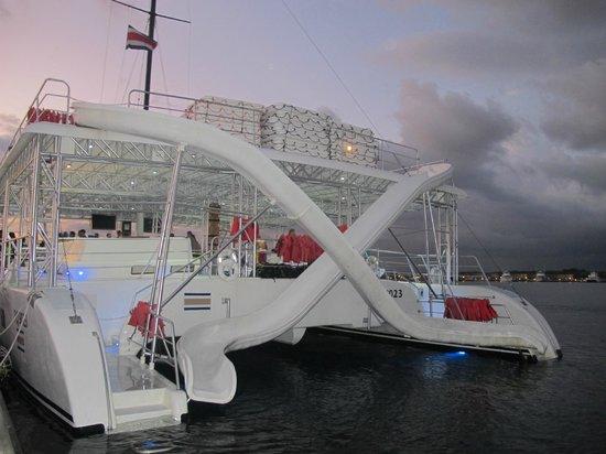 Manuel Antonio Catamaran Adventures: Catamaran Ocean King