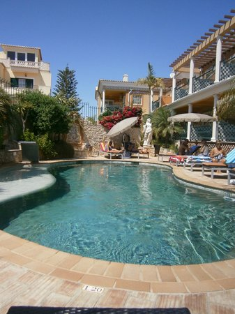 Dom Manuel Hotel: swimming pool