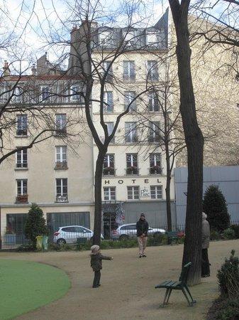 Hotel du Parc : l'hotel vu du parc