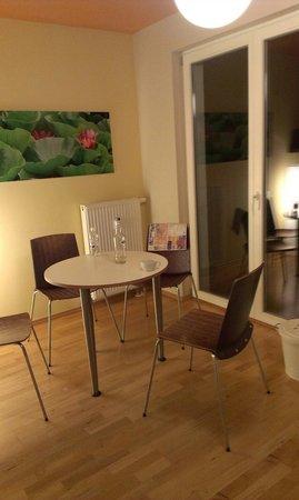 Pfefferbett Hostel: Zona pranzo app. n. 6