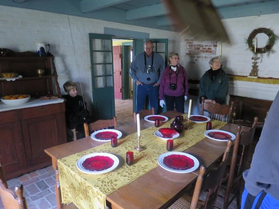 Longfellow Evangeline State Historic Site: Creole cabin dining room
