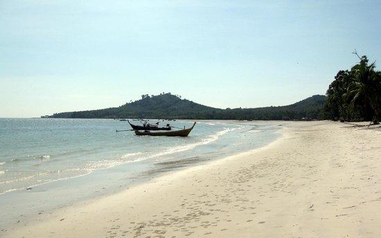 Koh Mook Riviera Beach Resort: beach