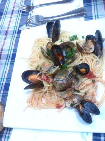 Trattoria Avellinese: Spaghetti ai frutti di mare