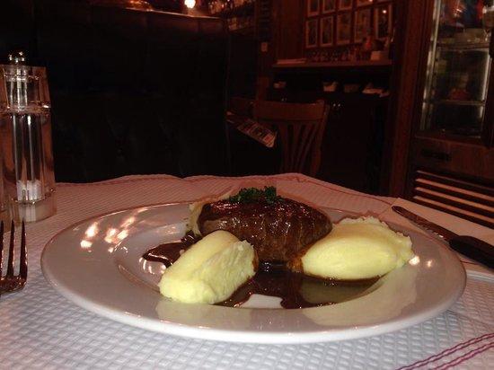 Cafe Restaurant Le Sarah Bernhardt: Pavé de boeuf!!!!