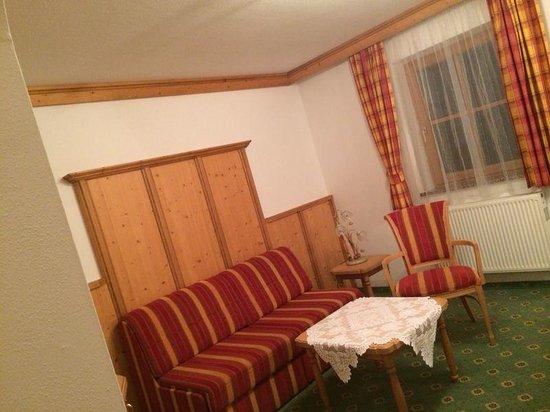 Hotel-Pension Bloberger Hof: Salotto junior suite