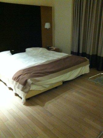 B-aparthotel Grand Place: Bedroom