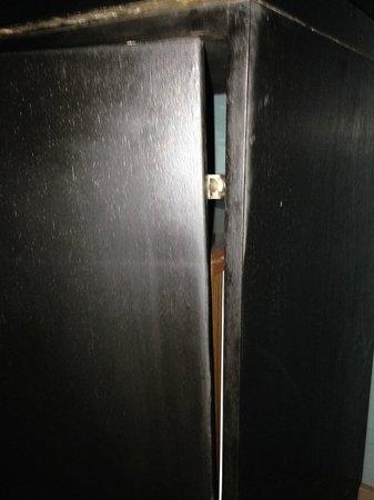 Golden Tulip Farah Casablanca: minibar door