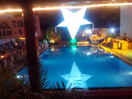 Colonia Santa Maria (CSM): swimming pool at party night