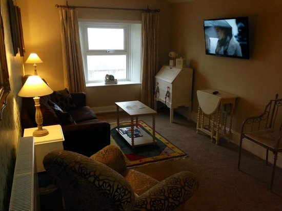 Ascot House Hotel: Sea View Suite Lounge