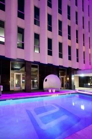 Aloft Orlando Downtown: Evening Splash
