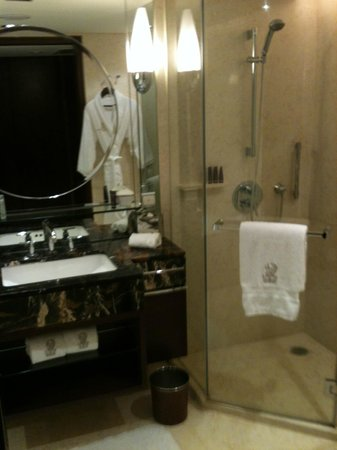 The Portman Ritz-Carlton, Shanghai: Baño