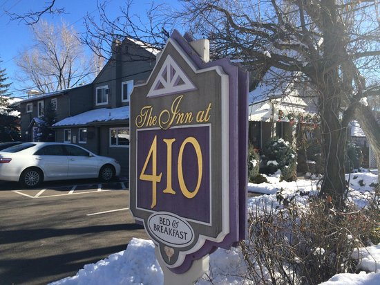 Inn at 410 Bed and Breakfast: Wonderful snow filled day at the Inn