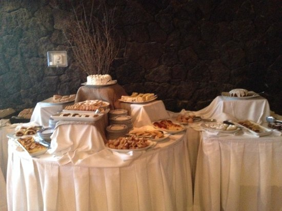 Hotel Cumbres Puerto Varas: Excellent Breakfast