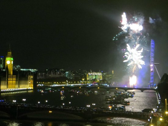 Plaza on the River - Club and Residence: View of the New Year's Eve fireworks!