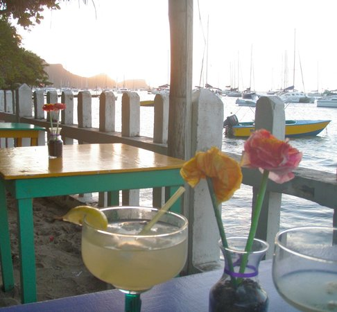 Tommy Cantina: awesome margaritas at sunset