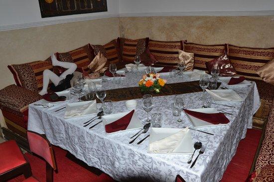 Riad Argan: Une si jolie table !