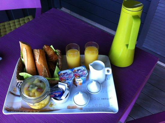 Karibuni Lodge: Breakfast