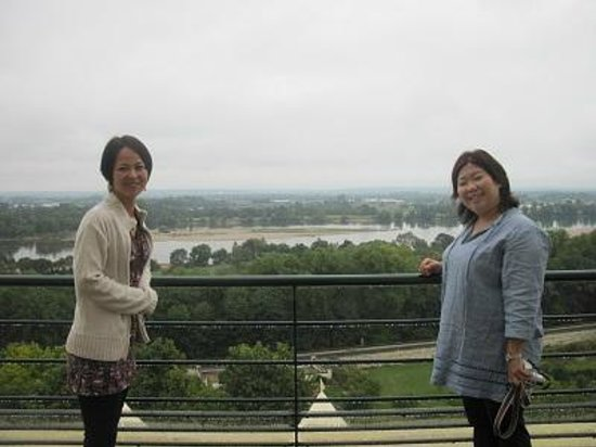 Loire Wine Tours - Day Tours: Overlooking the Loire river at Gratien and Meyer champagne house in Saumur